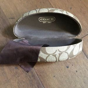 COACH XL Clamshell Sunglass Case w/Cleaning Cloth